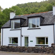 Arivonie - Lochside Cottage, Glencoe self catering.