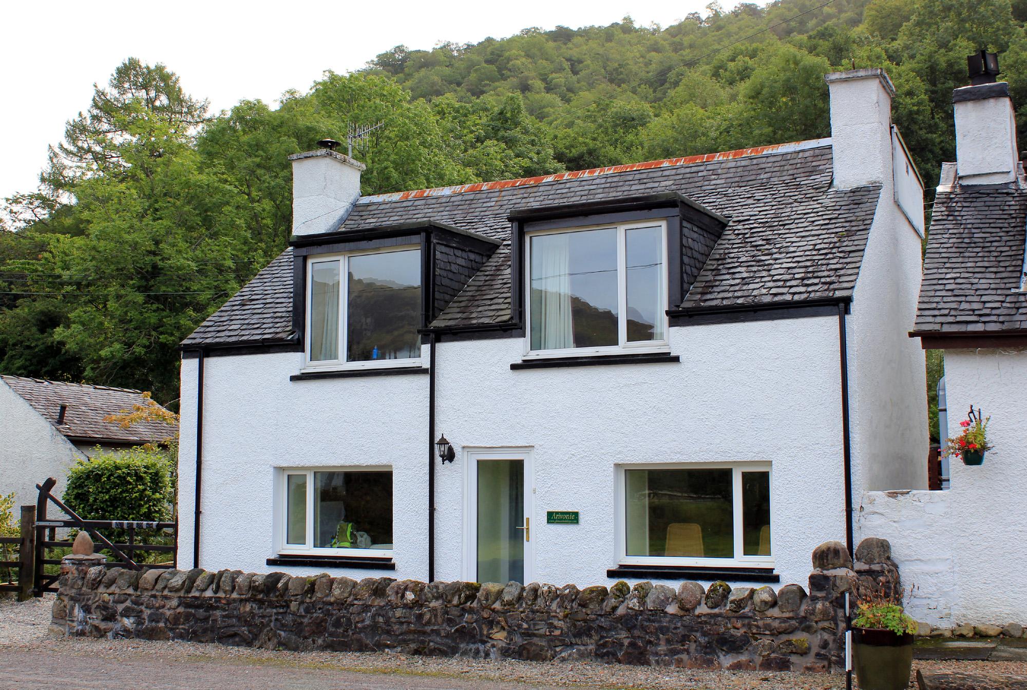 Arivonie - Lochside Cottage, Glencoe self catering.